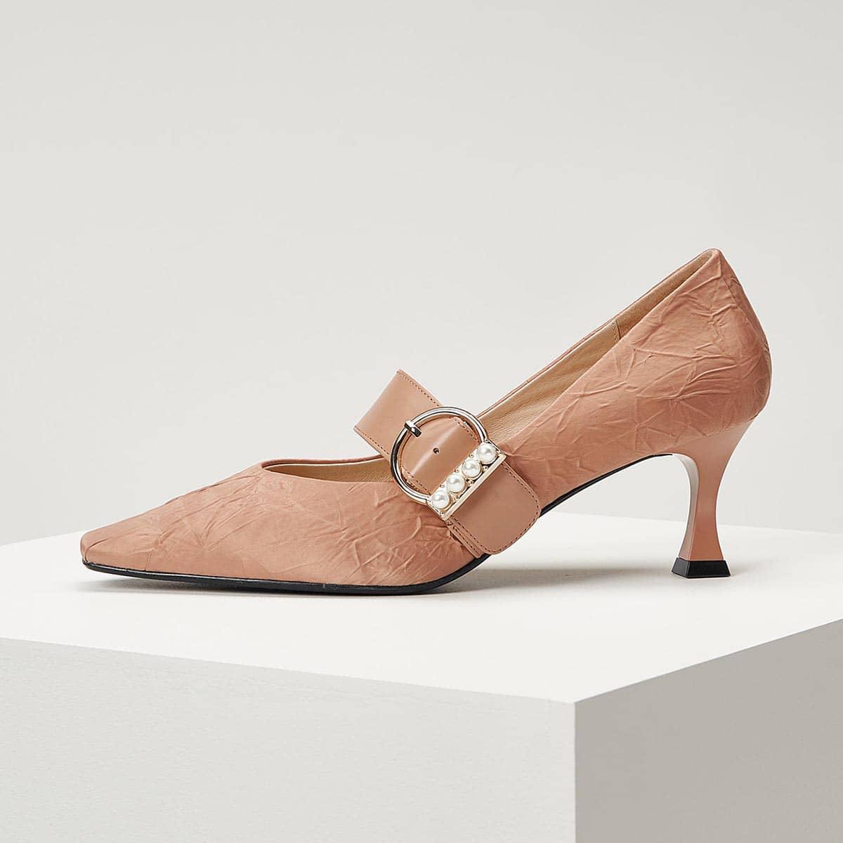 Кожаные туфли на каблуке с искусственными жемчугами от SHEIN