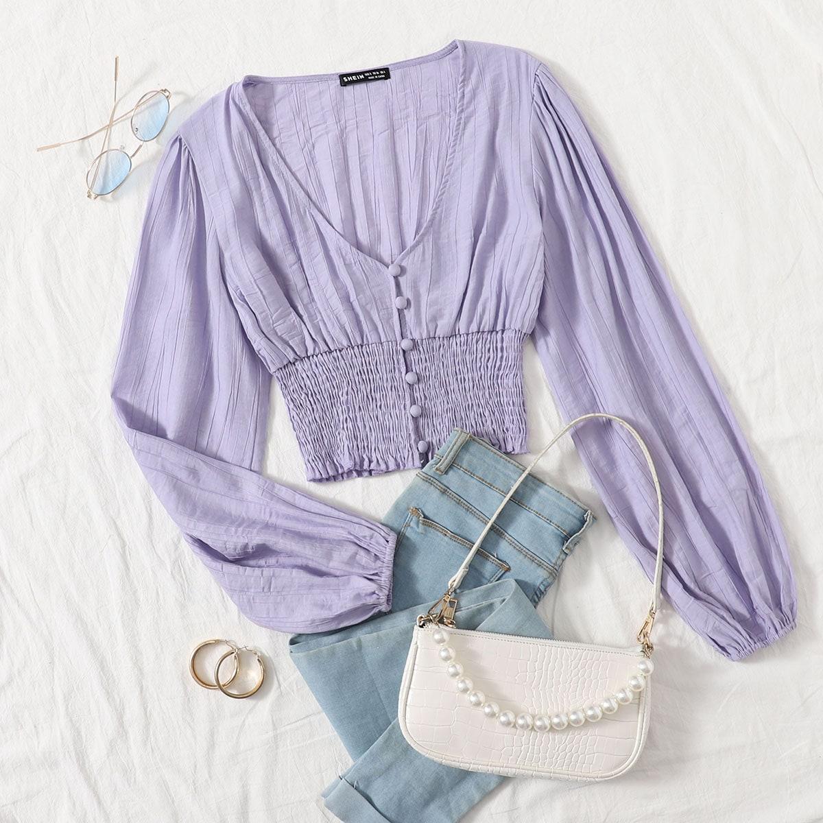 Короткая блузка на пуговицах