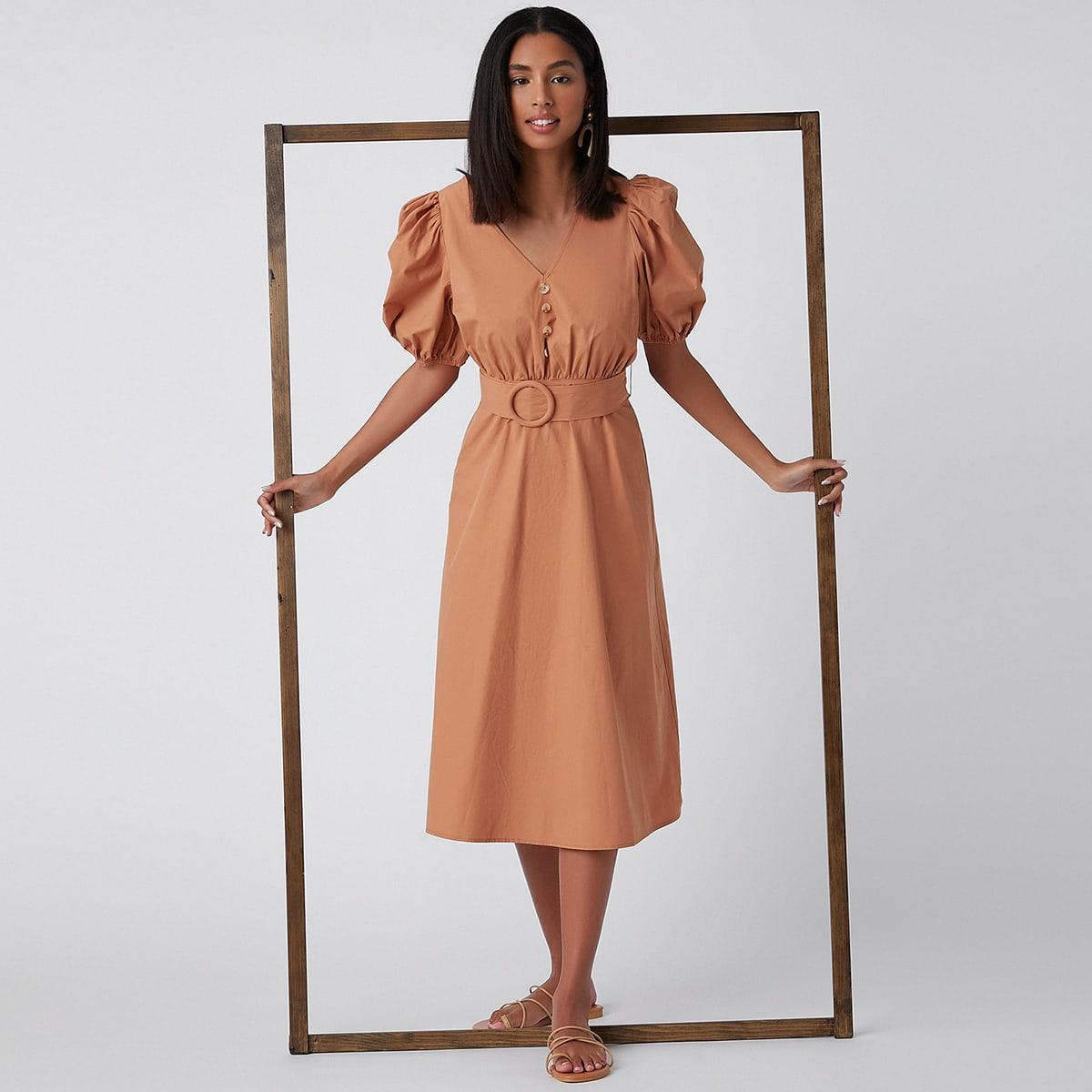 Платье с поясом и пышным рукавом