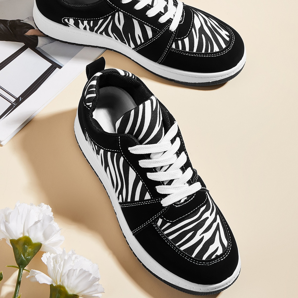 SHEIN Kant Sport Zebra print Sneaker