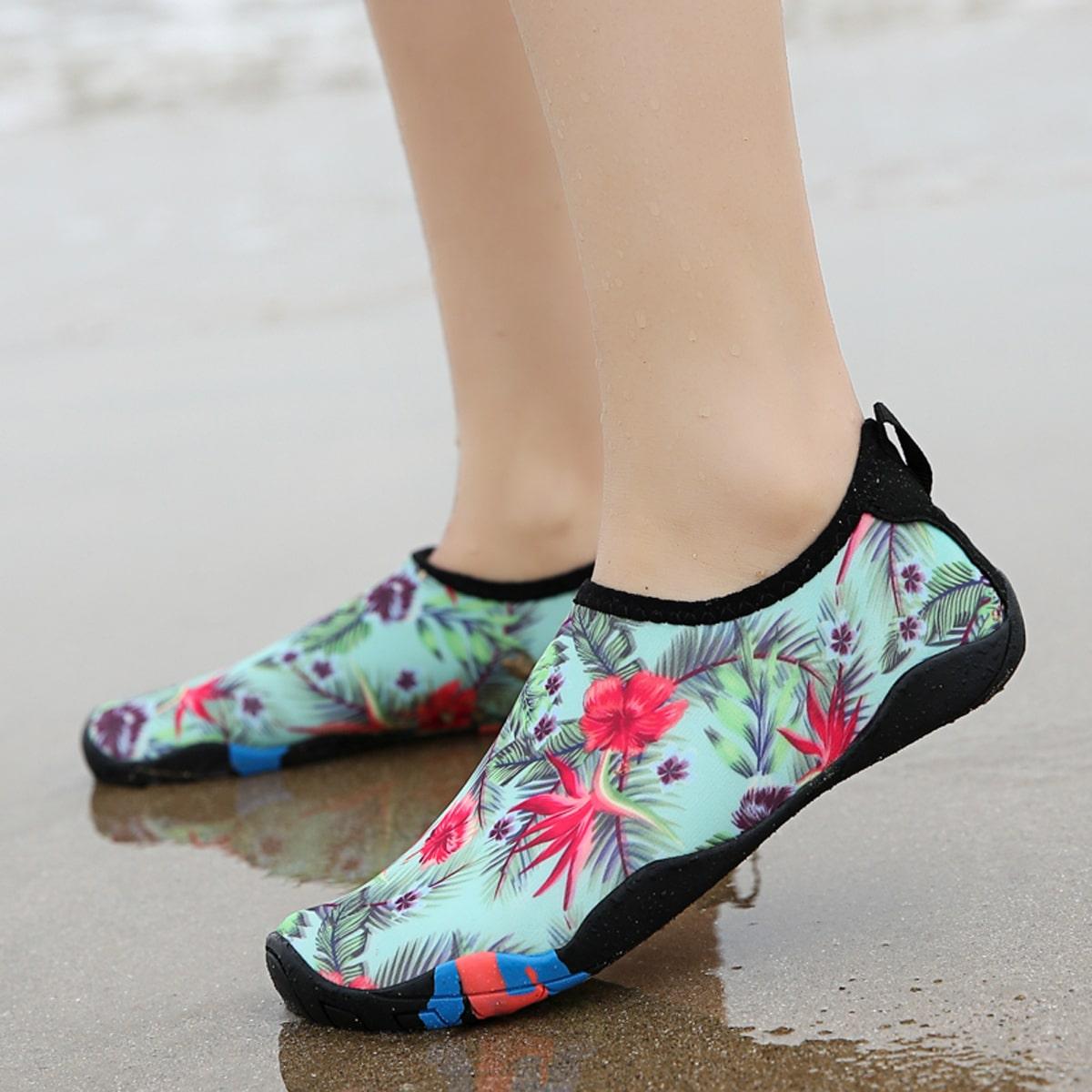 Воднык туфли с цветочным принтом для мальчиков от SHEIN