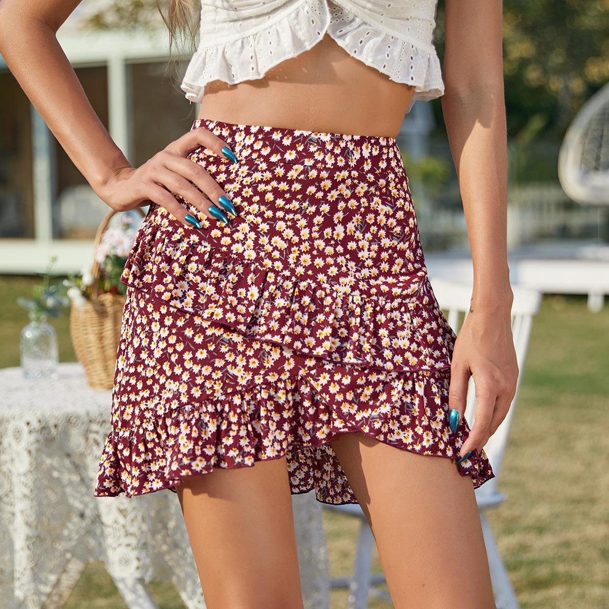 Асимметричная юбка с цветочным принтом по цене 490