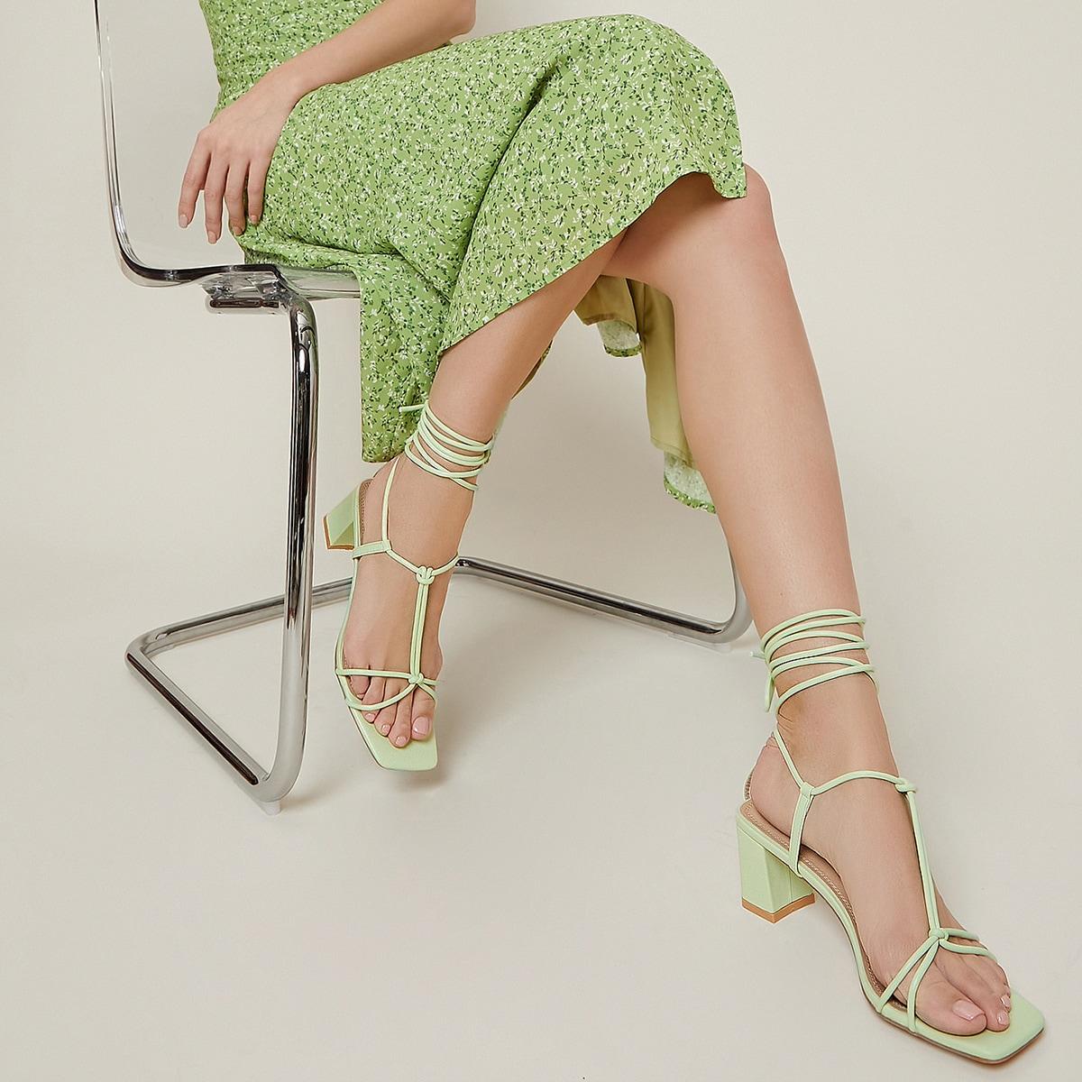 Туфли на высоком каблуке из искусственной кожи