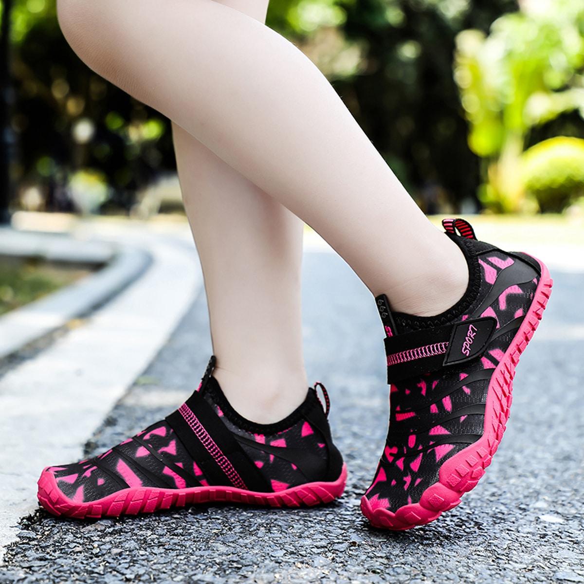 Водные туфли на липучках с рисунком для девочек от SHEIN