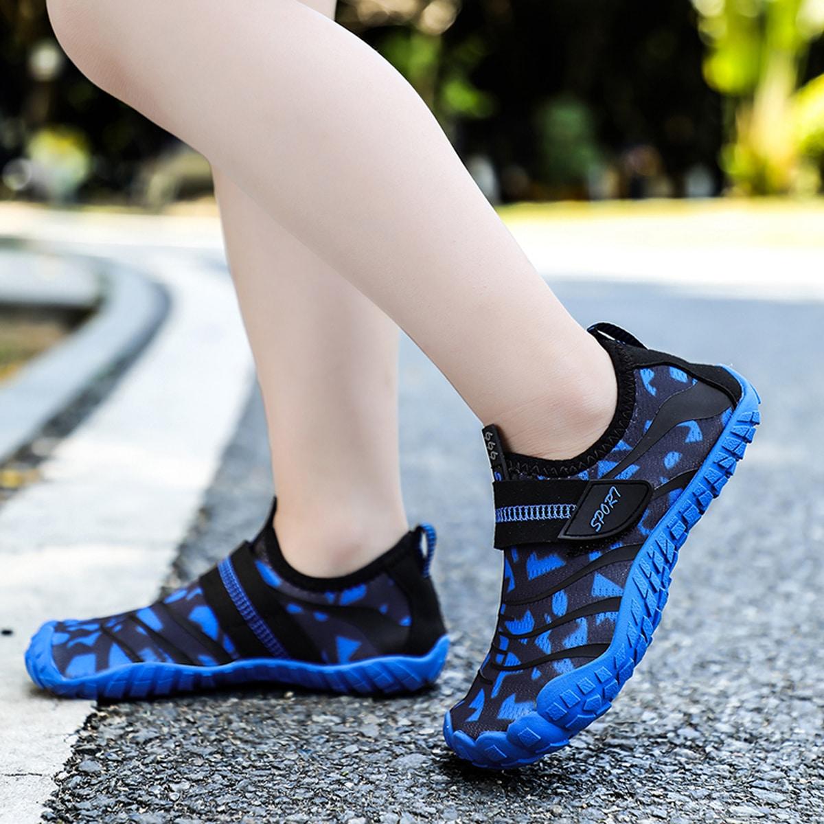 Водные туфли на липучках для мальчиков с рисунком от SHEIN