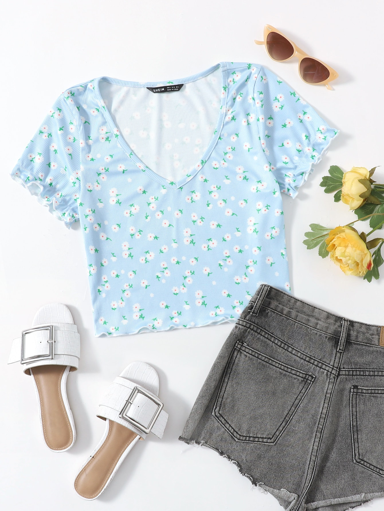 Ditsy Floral Frill Trim Crop Tee