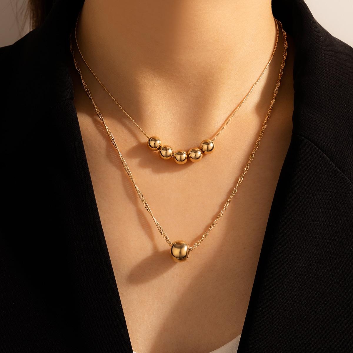 Geschichtete Halskette mit Ball Dekor
