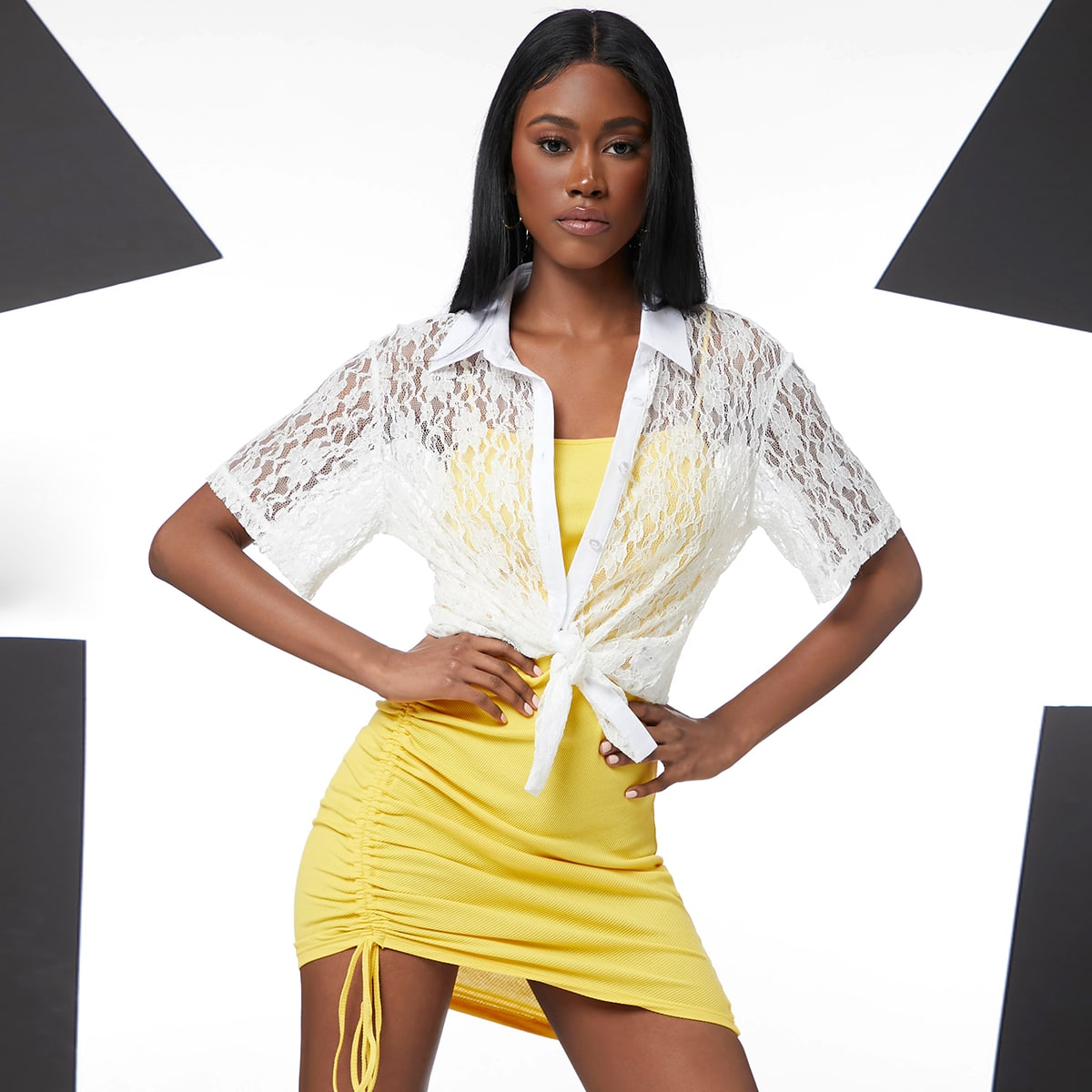 Кружевная блузка с разрезом по цене 610