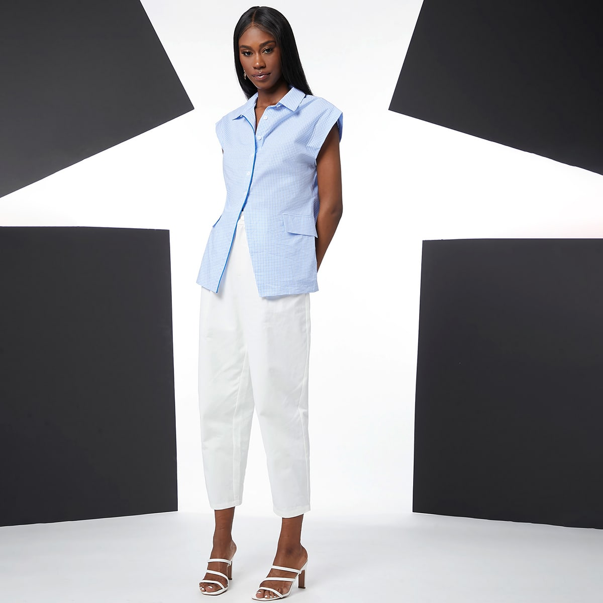 Блуза в клетку с контрастной отделкой по цене 760