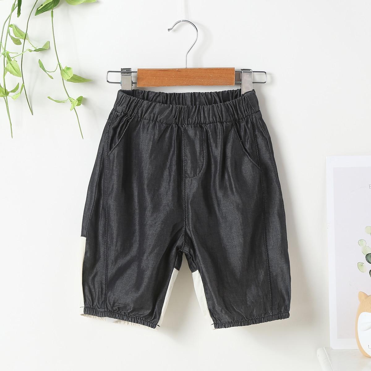 Для мальчиков джинсовые шорты контрастный с текстовым принтом сзади