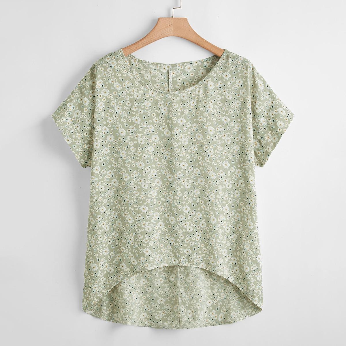 Асимметричная блузка размера плюс с цветочным принтом по цене 600