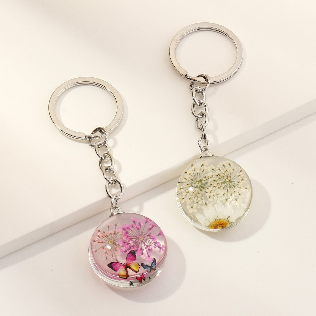 2pcs Flower Round Charm Keychain