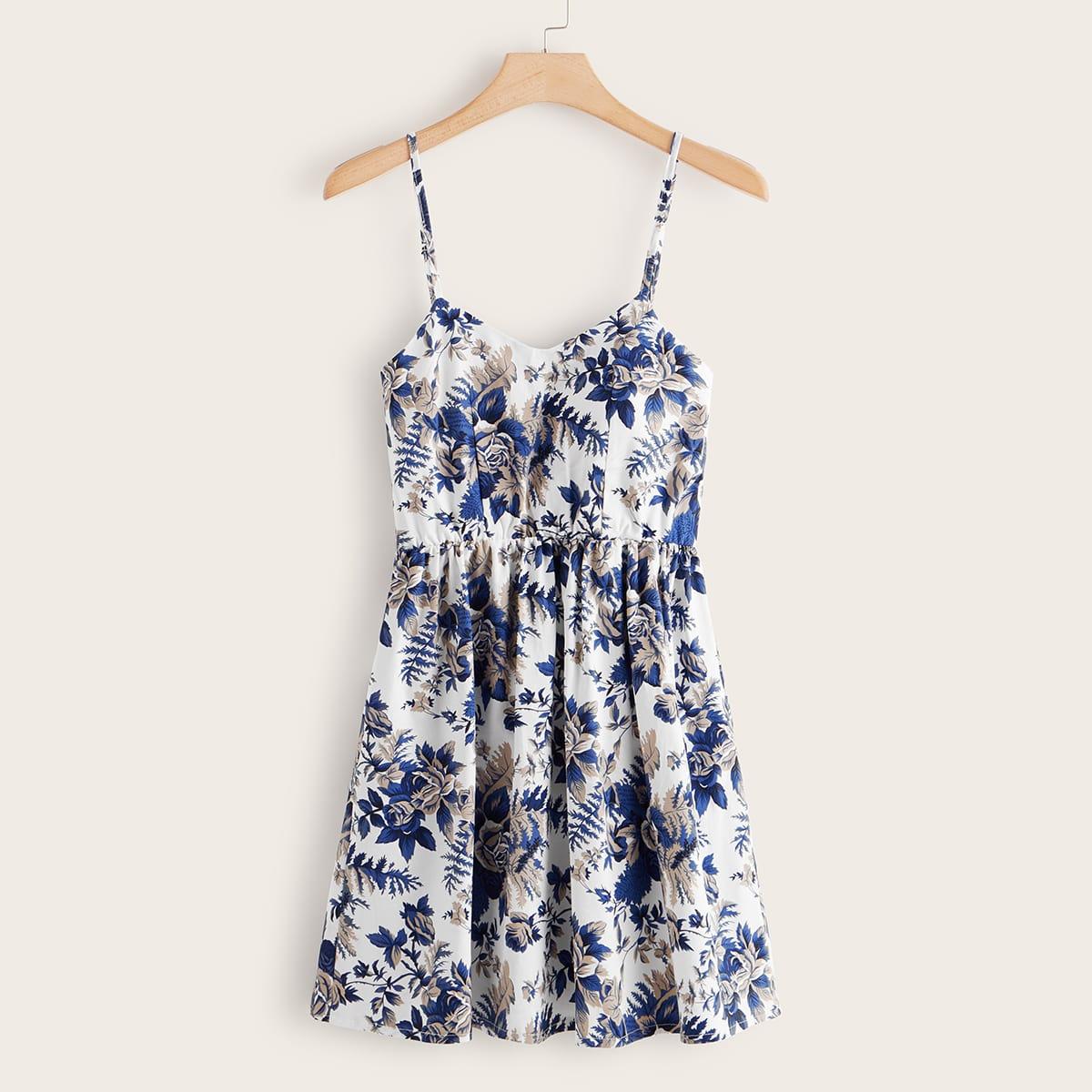 Размера плюс платье на бретелях с цветочным принтом по цене 1 070