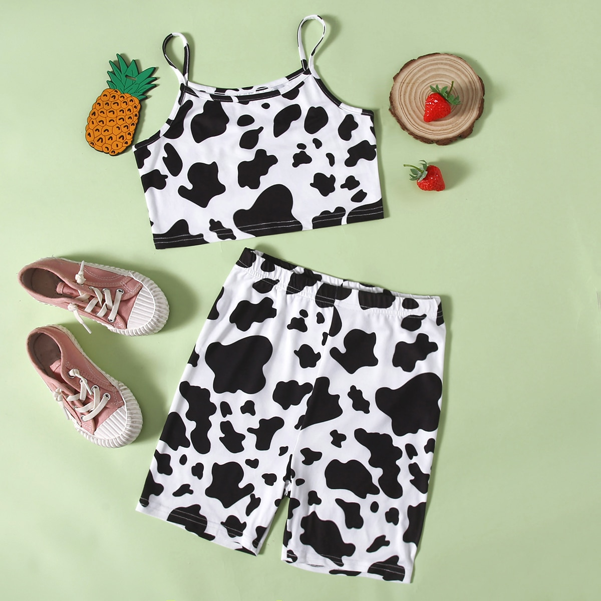 Байкерские шорты и топ с коровьим принтом для девочек по цене 530