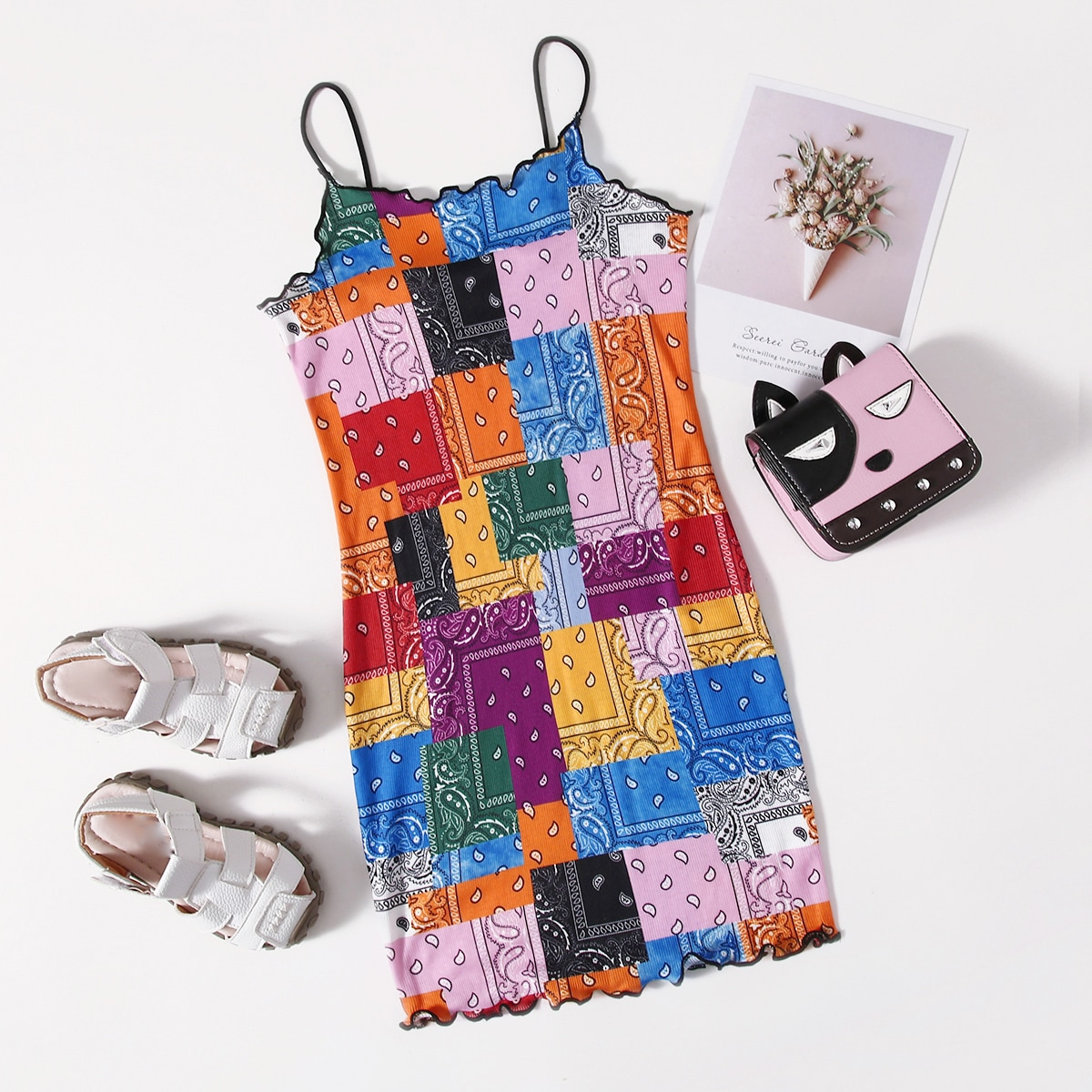 Kleid mit gekräuseltem Saum und Patchwork Muster