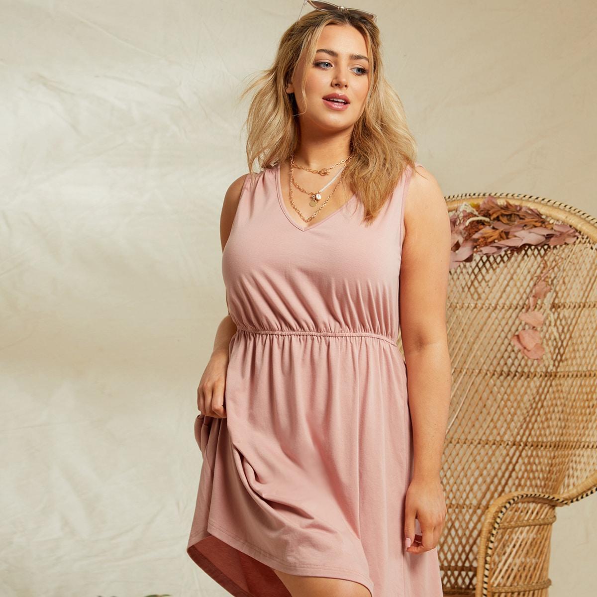 Однотонное платье размера плюс с v-образным воротником по цене 870