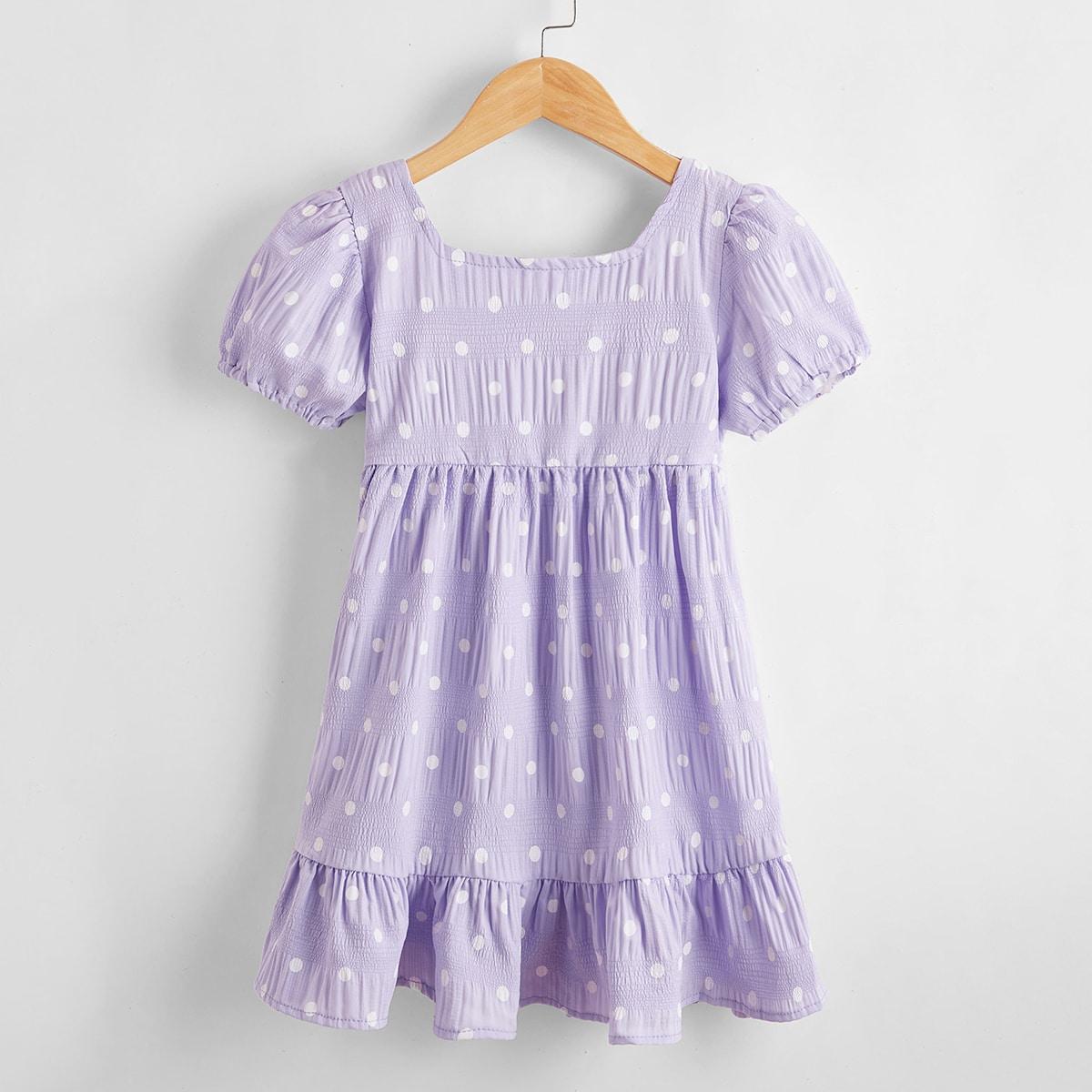 Kleid mit Punkten Muster und Raffung