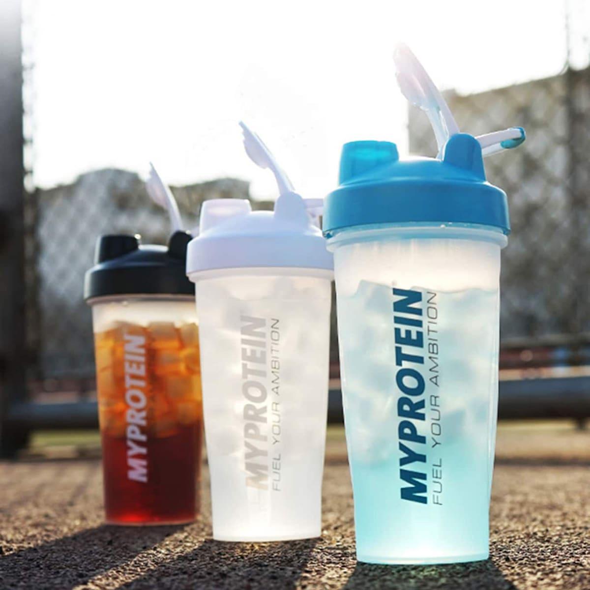 1pc Letter Graphic Random Sport Shaker Bottle