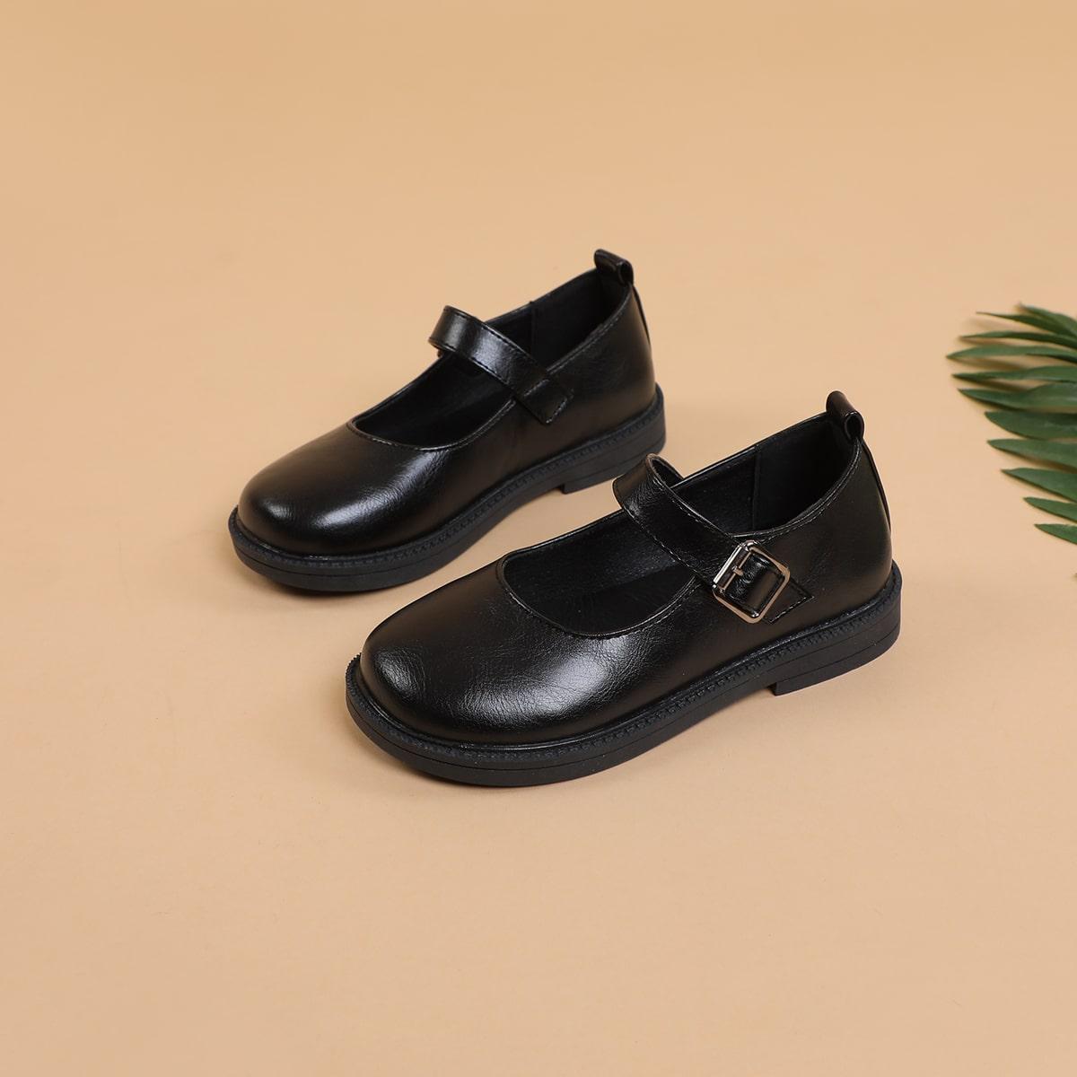 Минималистские туфли для девочек от SHEIN