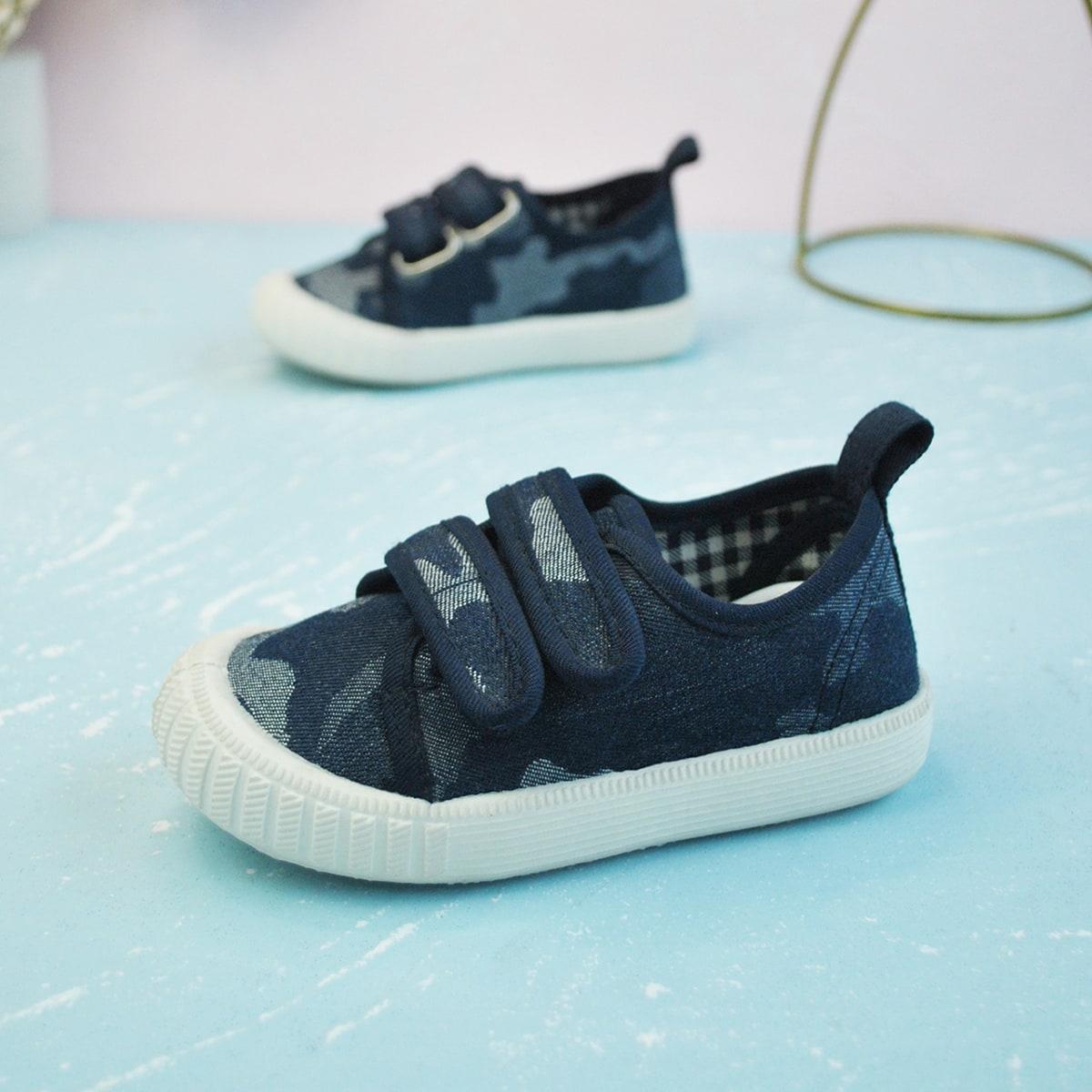 Холщовые туфли на липучке с камуфляжным узором для мальчиков от SHEIN