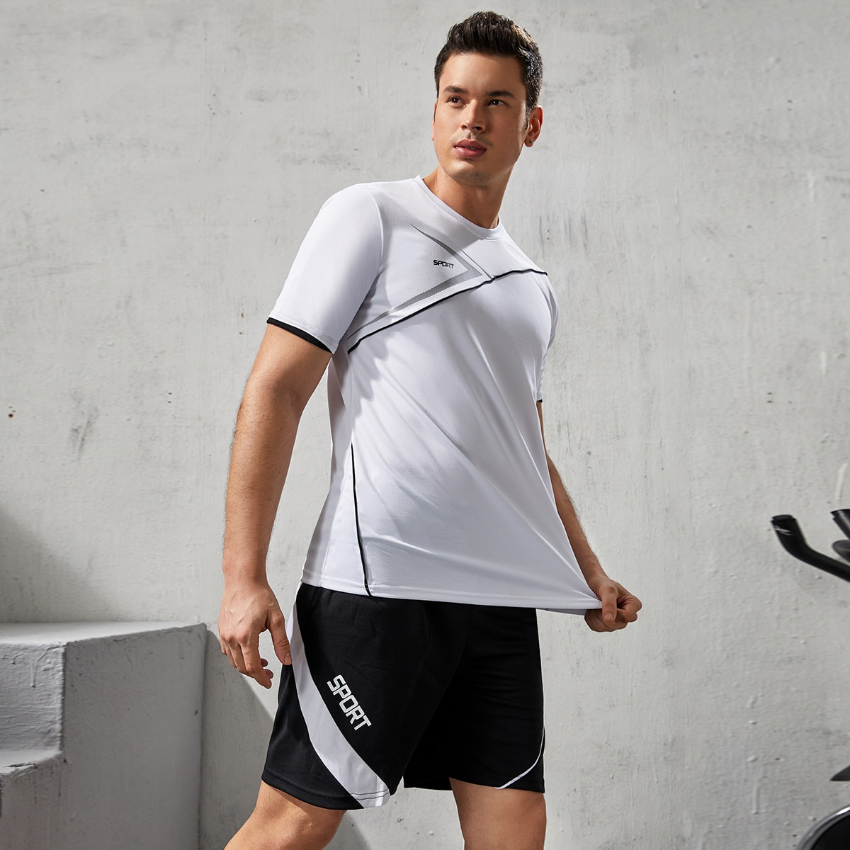 Men Letter Graphic Sports Tee With Slant Pocket Shorts