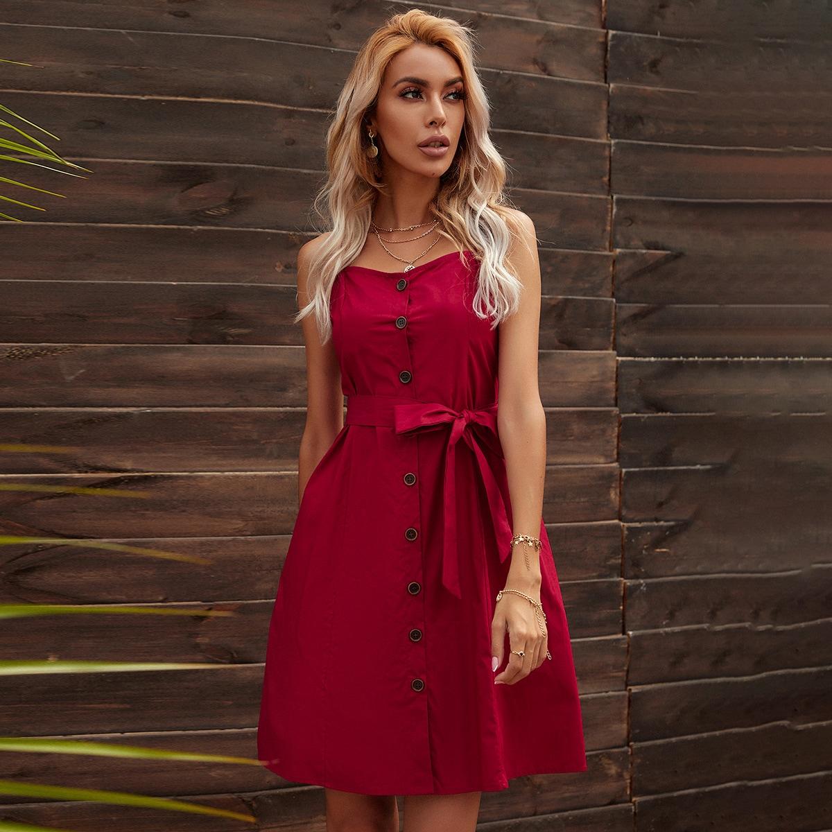 Cami Kleid mit Knöpfen und Gürtel