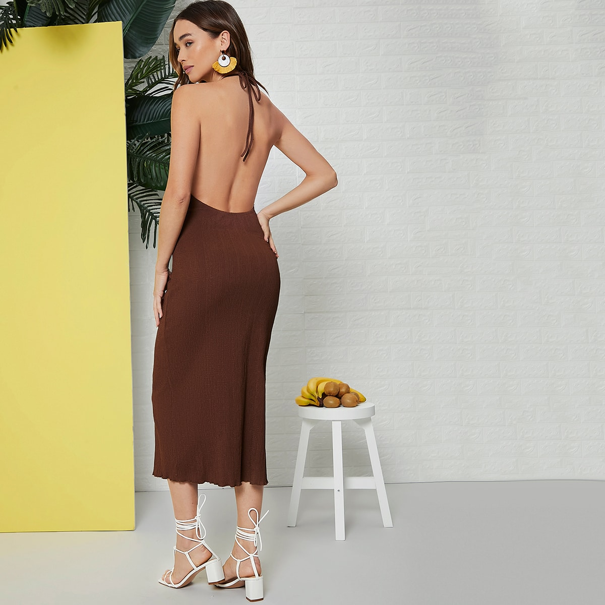 Платье с вырезом на спине SheIn swdress07210119527