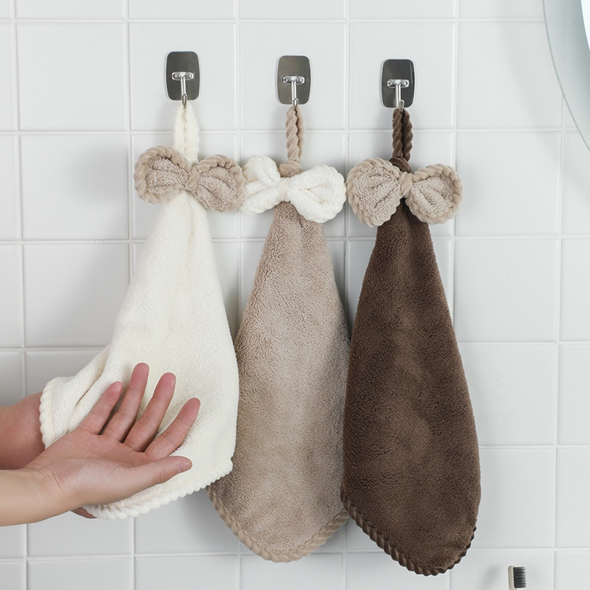 1Pc Bow Decor Random Hand Towel