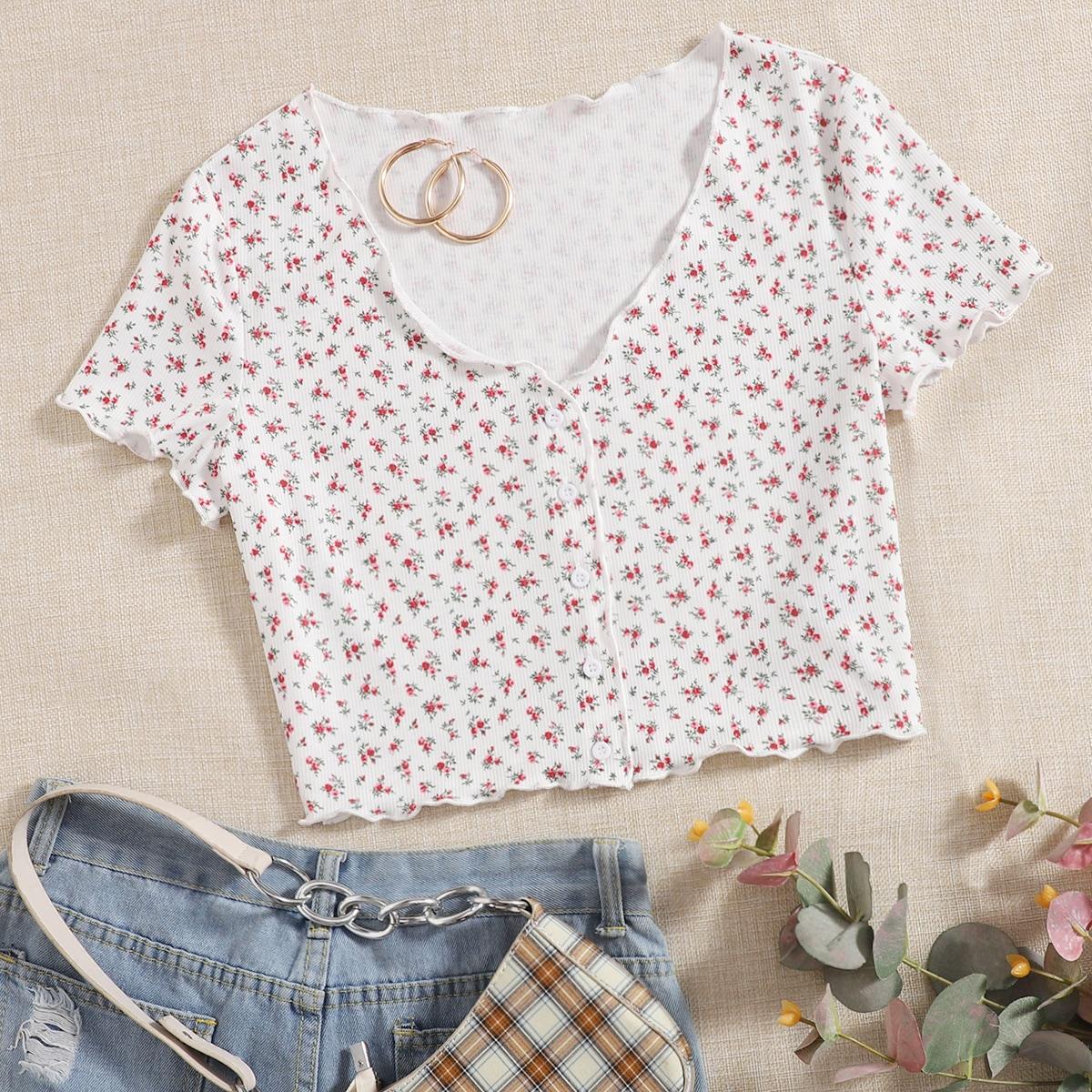 T-Shirt mit Knöpfen vorn, gekräuseltem Saum und Blümchen Muster