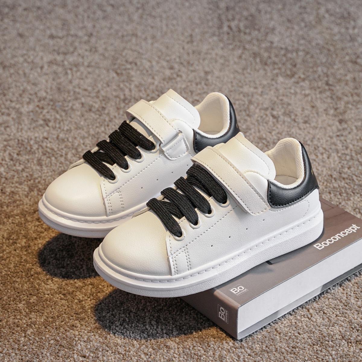 Двухцветные туфли для мальчиков от SHEIN