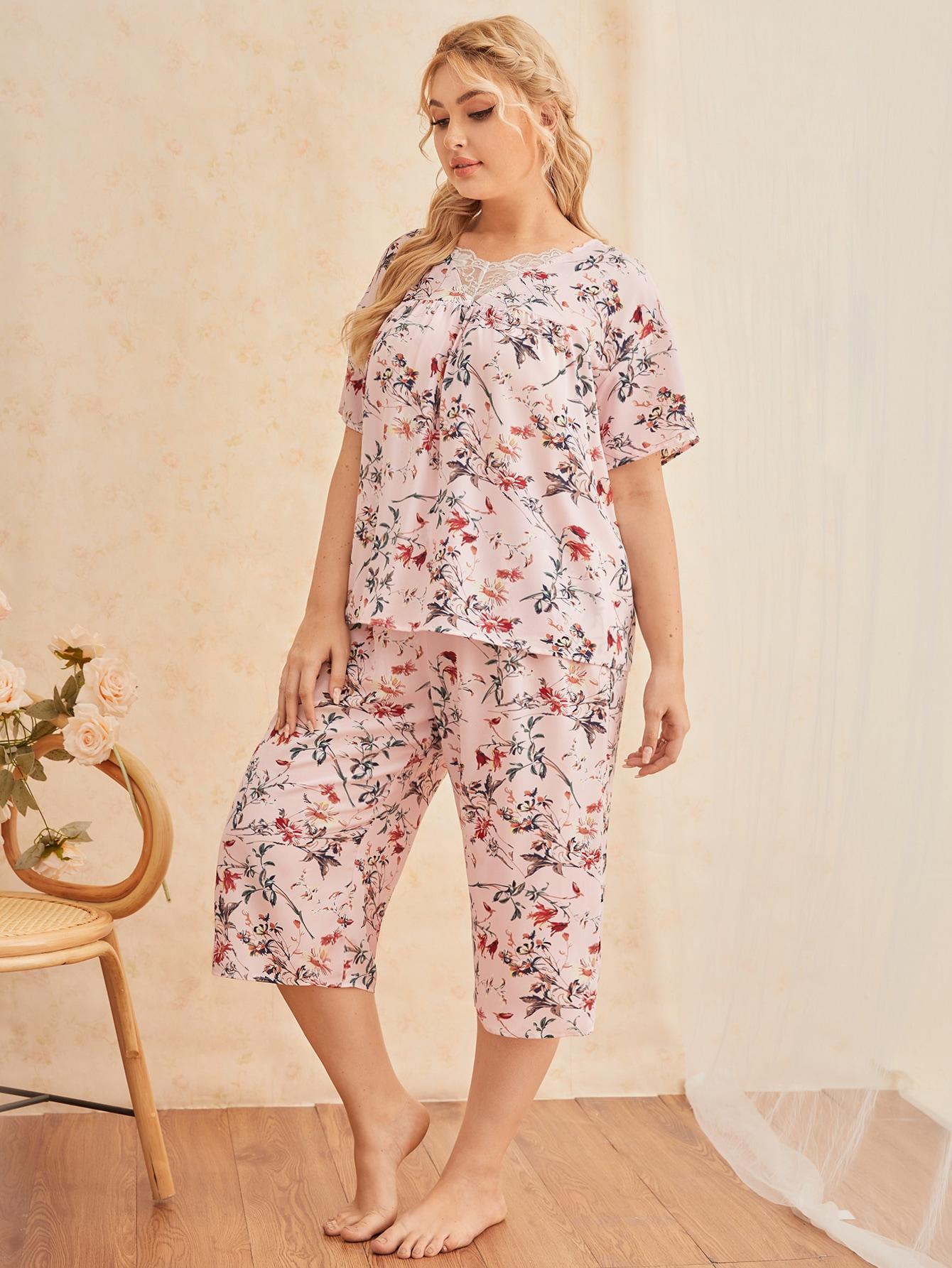 Plus Lace Insert Drop Shoulder Floral Top & Capri Pants Pj Set