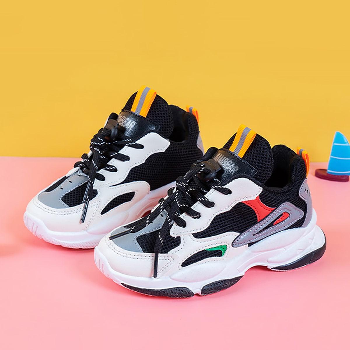 Контрастные кроссовки на платформе и шнурках для мальчиков по цене 1 250