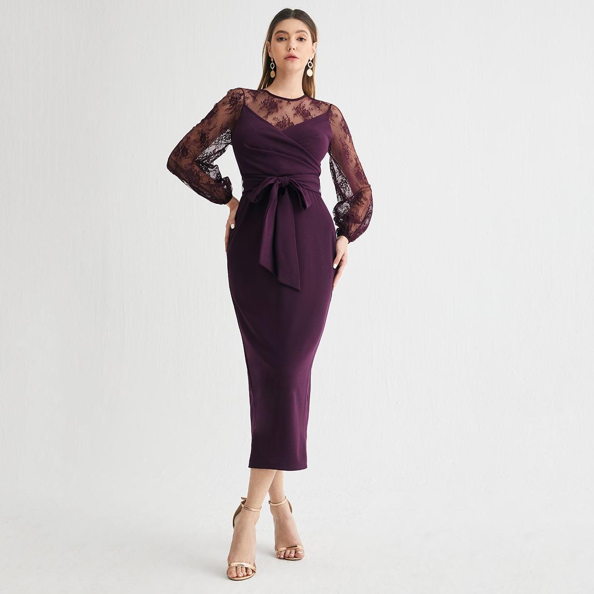 Kleid mit Spitzen Joch & Ärmeln und Gürtel