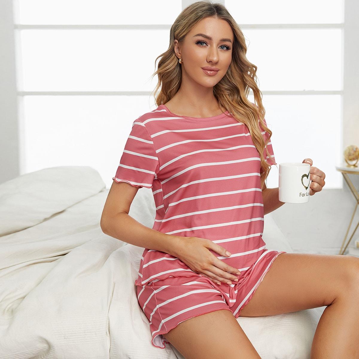 Pyjama Set mit Streifen und gewelltem Saum