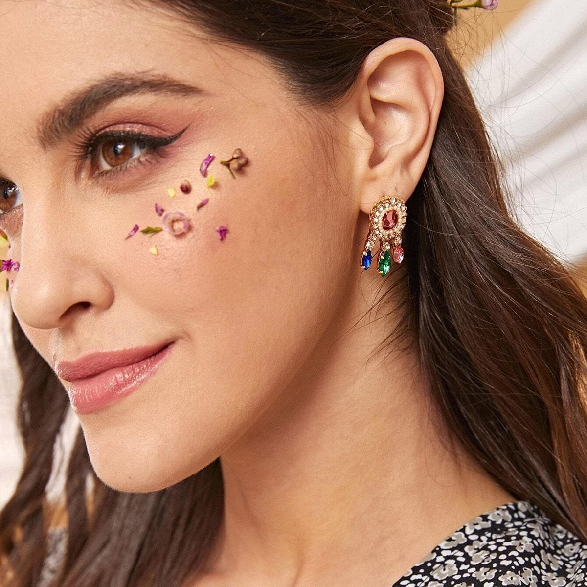 Ohrringe mit Strass Design