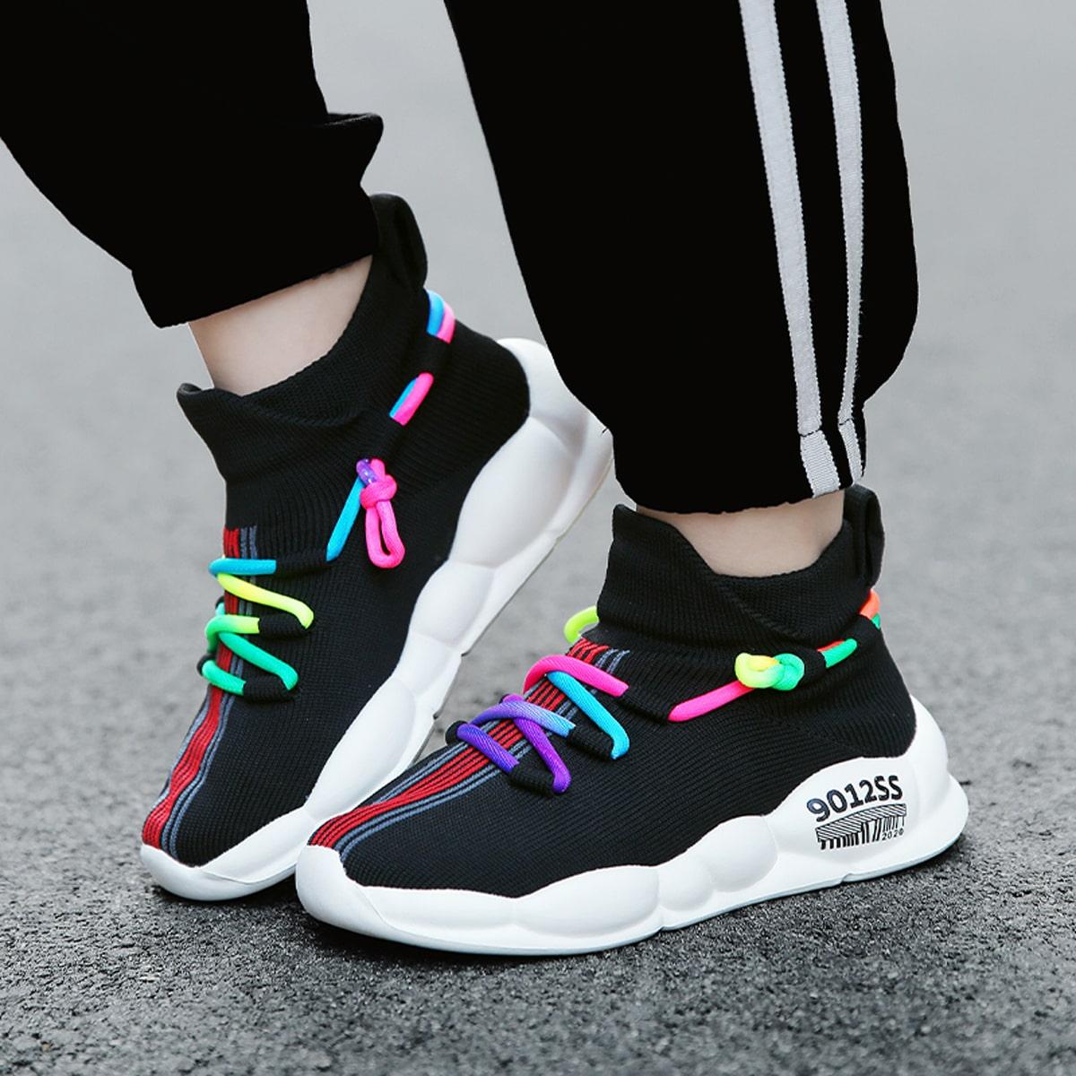 Беговая обувь на красочных шнурках для мальчиков от SHEIN