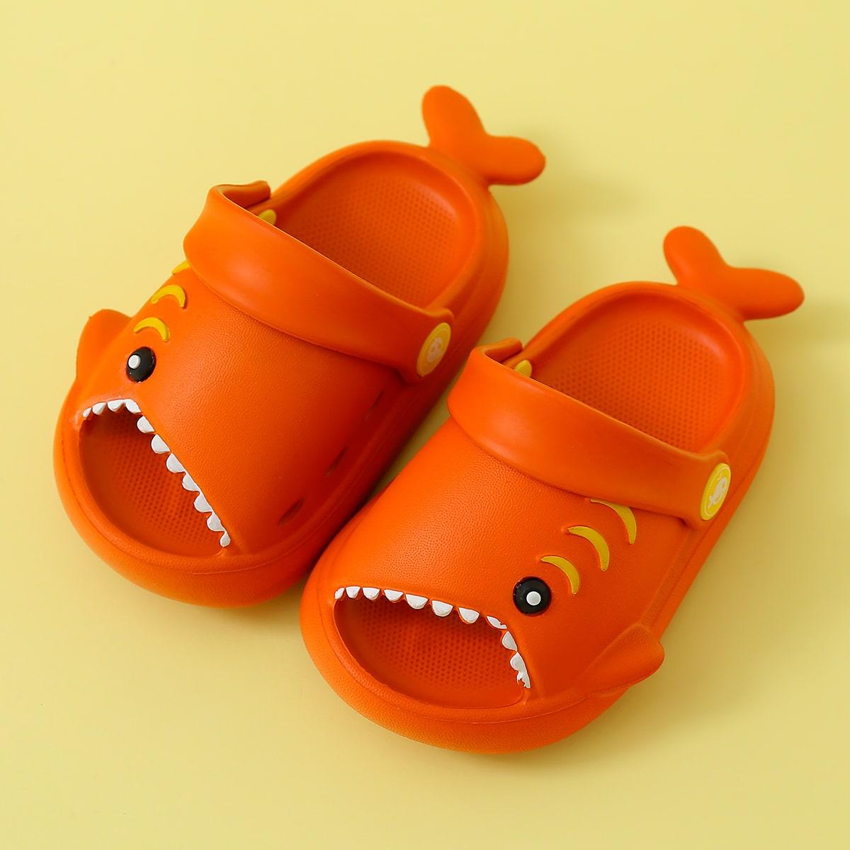 SHEIN / Toddler Boys Cartoon Shark Design Slippers