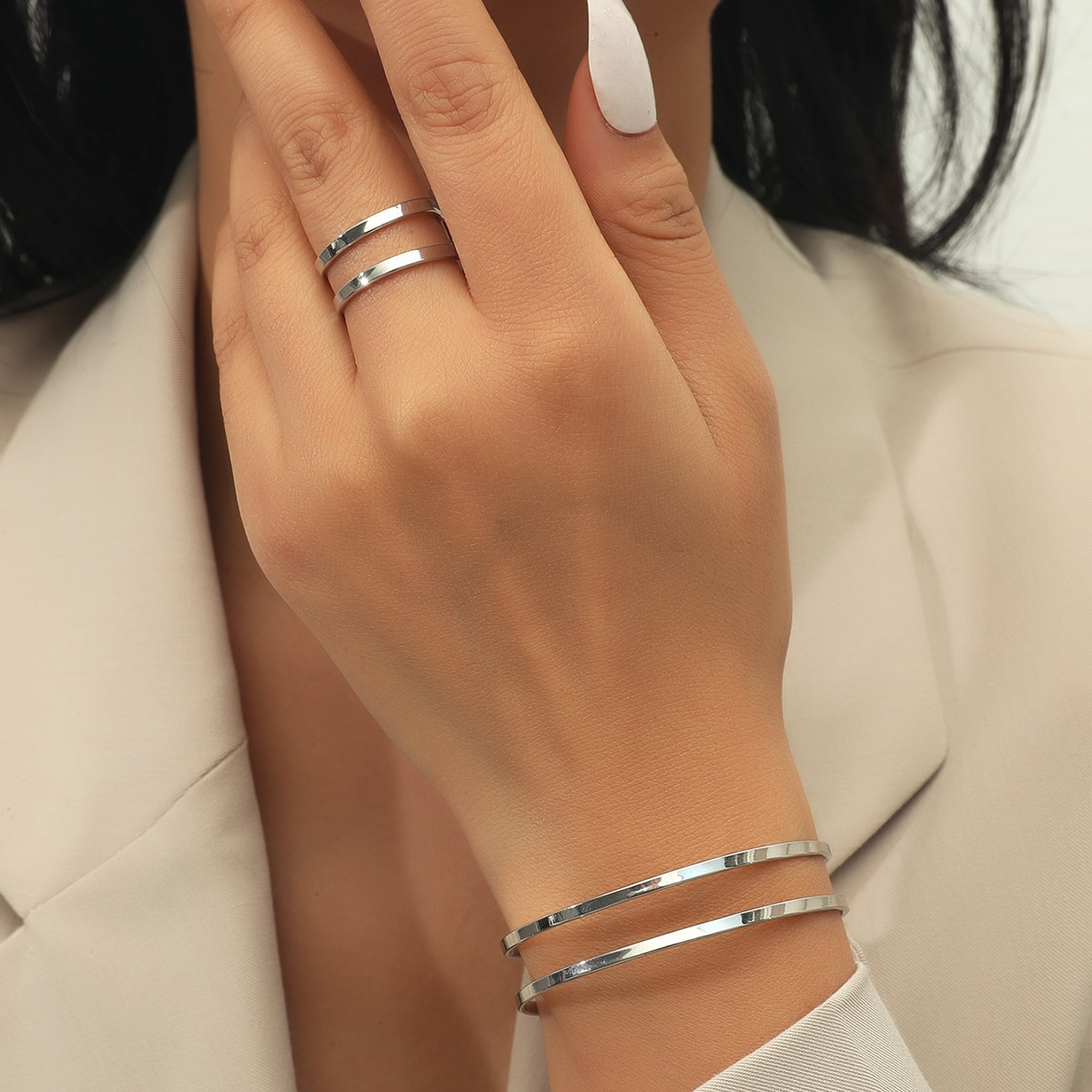 Armreif mit Löchern & Ring