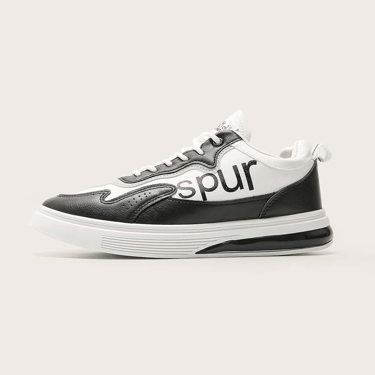 SHEIN Herensneakers met grafische print en veters aan de voorkant