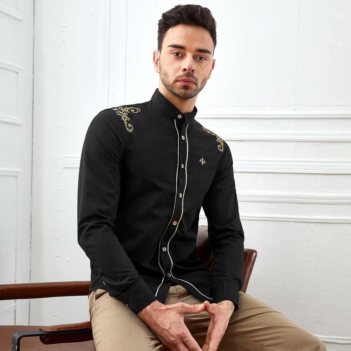 Мужская рубашка с воротником-стойкой