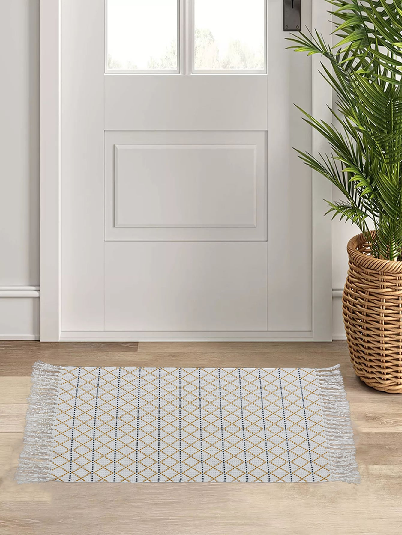 Tassel Decor Floor Mat