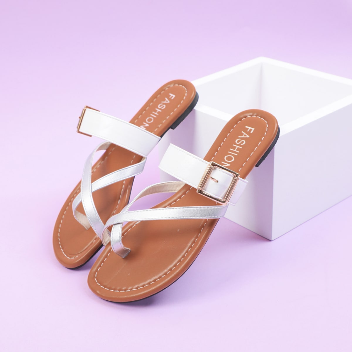 Оригинальные сандалии