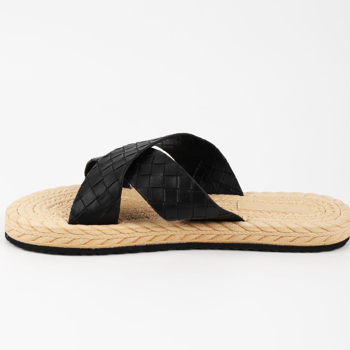 Pantofole con design intrecciato minimalista