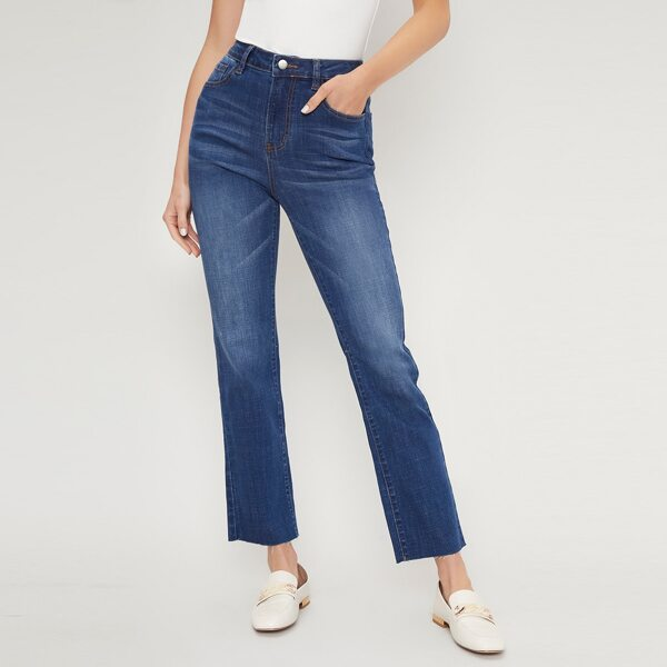 JEANS MADE OF LENZING™ ECOVERO™ VISCOSE BRANDED FIBERS, Medium wash