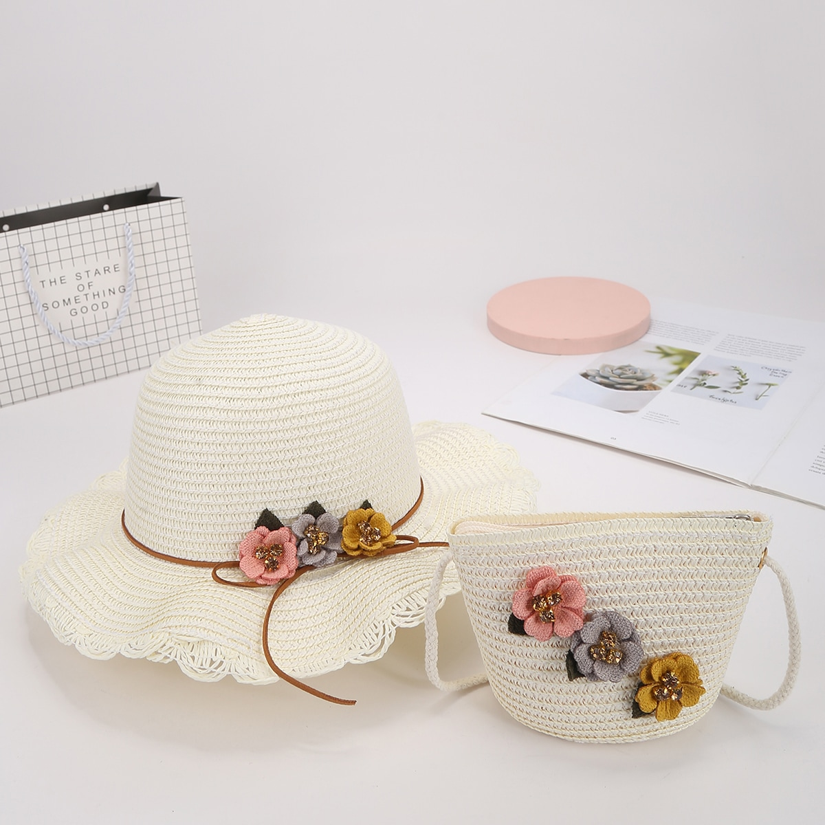Girls Floral Decor Straw Bag With Straw Hat