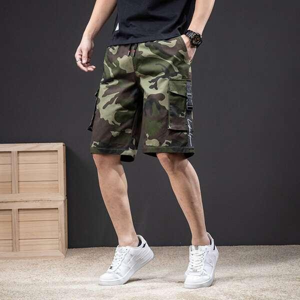 Men Camo Print Buckle Tape Flap Pocket Shorts, Multicolor