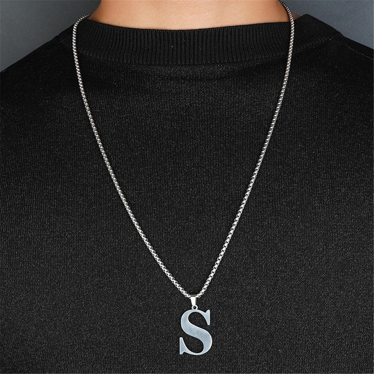 Ожерелье с подвеской буквы для мужчин