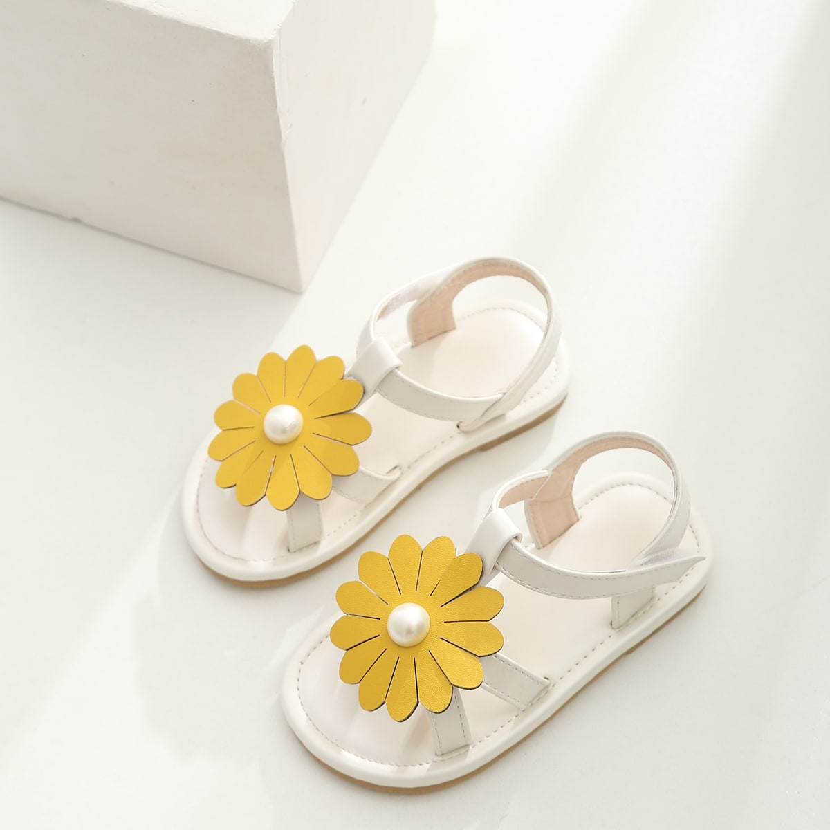 Toddler Girls Floral Appliques Sandals, SHEIN  - buy with discount