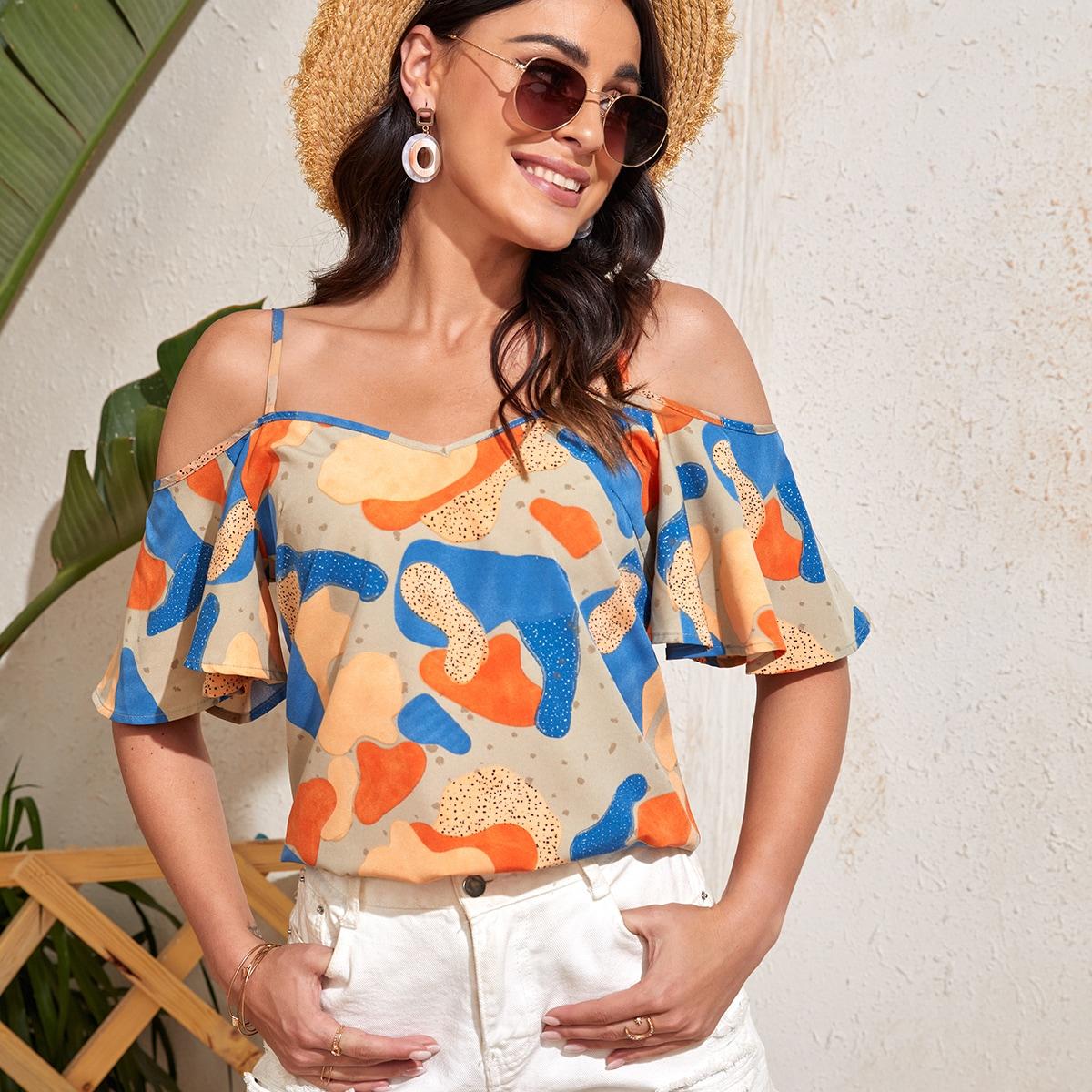 Блузка с открытыми плечами и графическим принтом