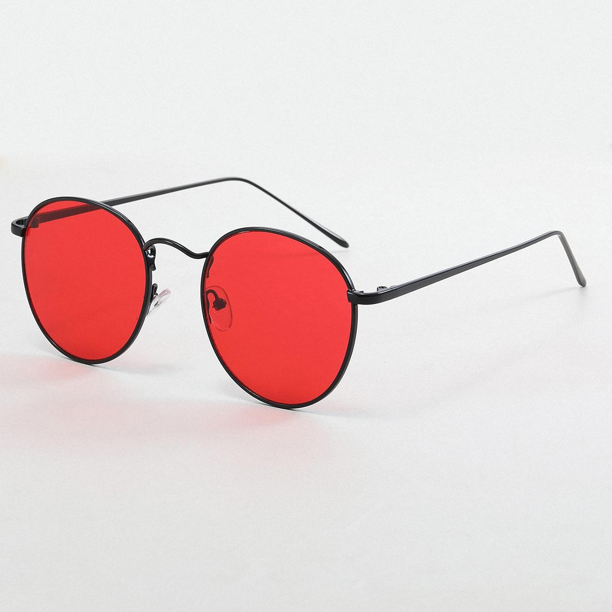 Мужские солнцезащитные очки в круглой оправе